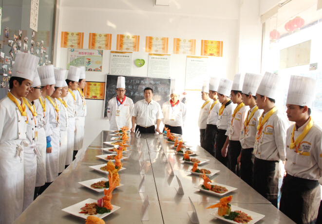 金牌六班热菜阶段考核,考出真厨艺